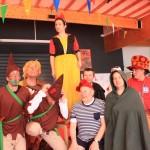 Bénévoles à la kermesse de Jeanne de Flandre
